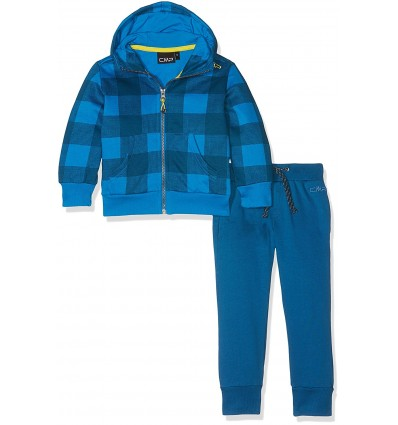 chandal con capucha azul