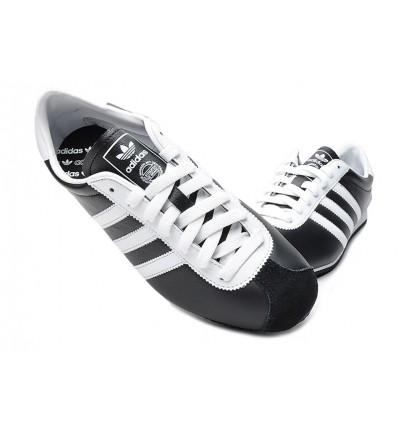 Zapatilla paseo Sra. V24134 Bluerun Adidas Negro